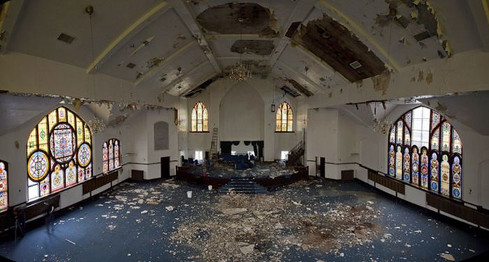 Abandoned Churches of Detroit (27 pics)
