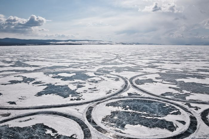 Lake Baikal Surface Artwork (22 pics)