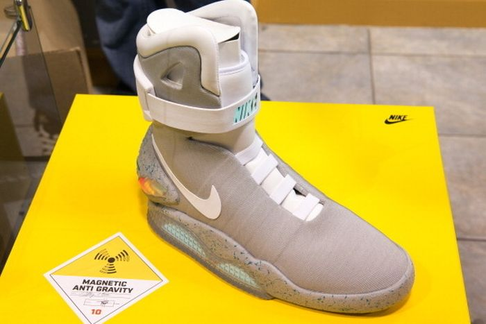 """Back To The Future"" Power Laces (4 pics)"