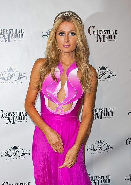 Paris Hilton Wearing No Panties (12 pics)