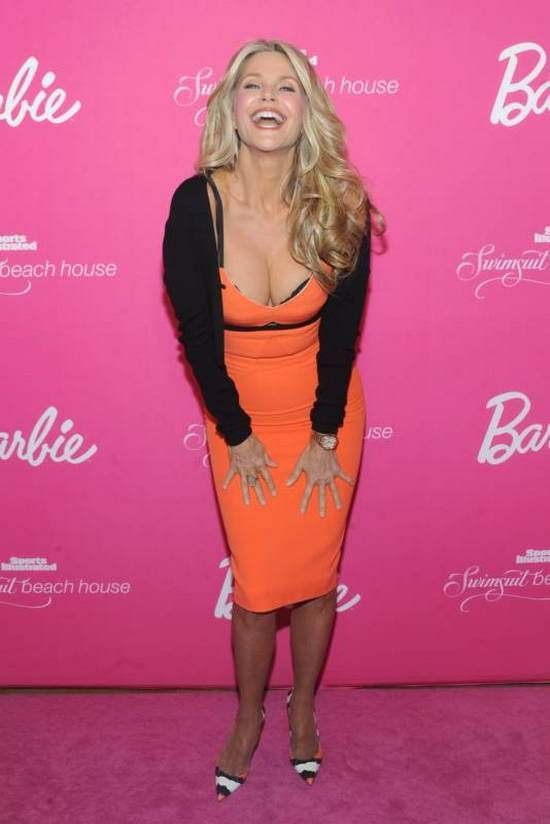 Christie Brinkley is Still Hot (19 pics)