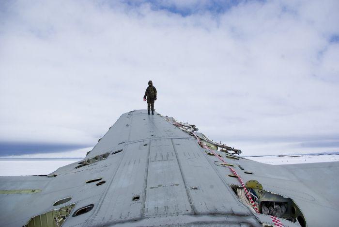 Abandoned AN-12 (36 pics)