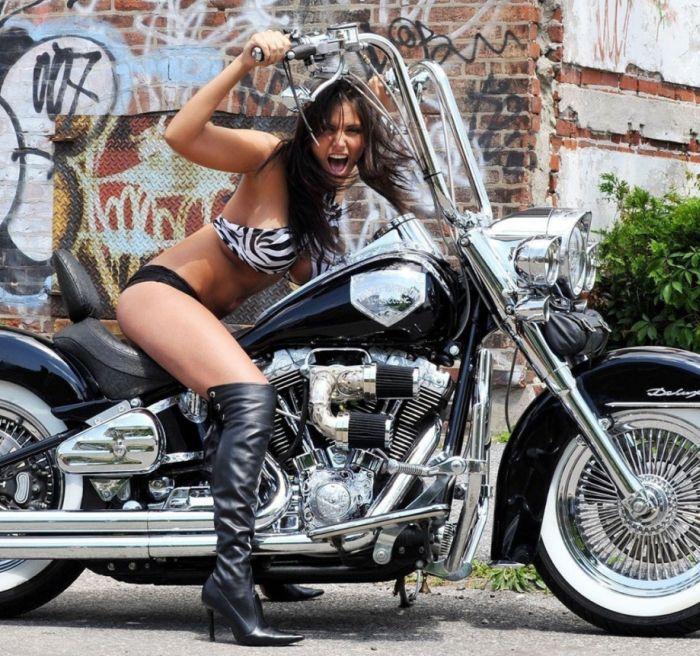 Motorcycle Girls (48 pics)