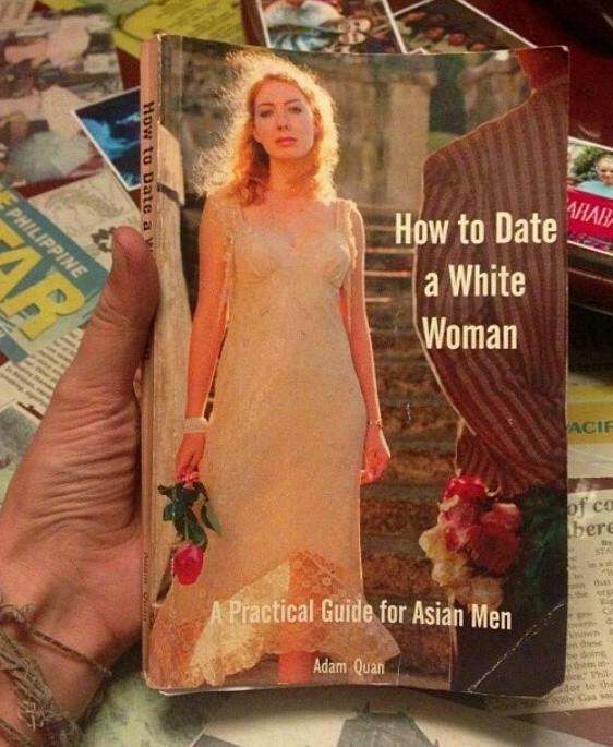 Awkward Books (20 pics)