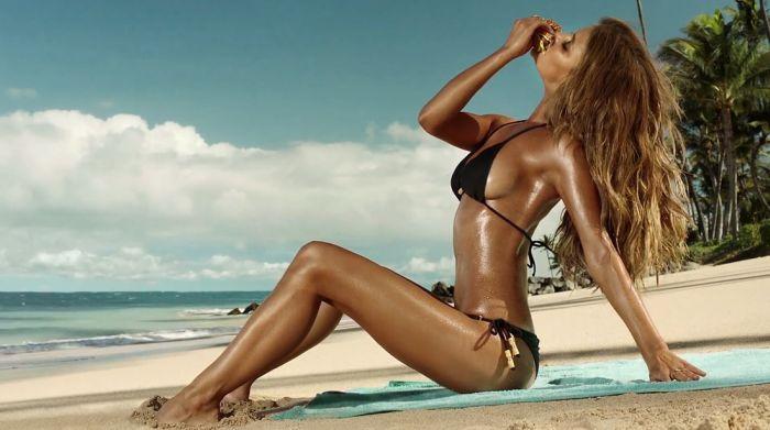 Nina Agdal in Bikini (13 pics)