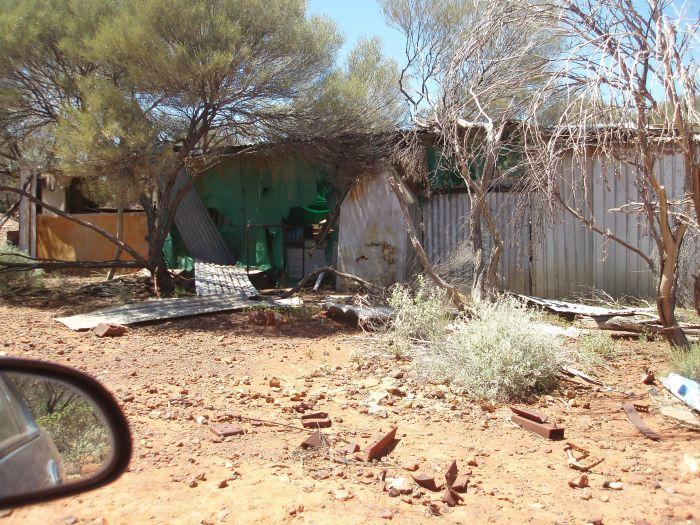Abandoned Gold Mine (33 pics)