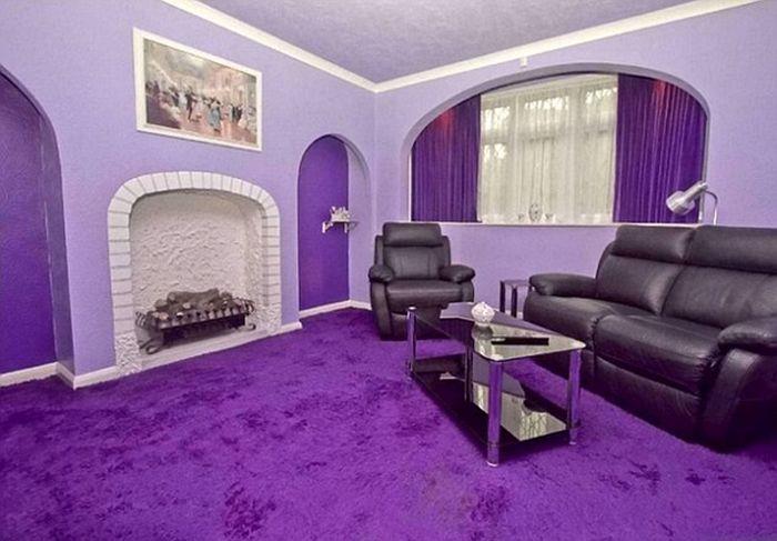 Looks Like a Normal House? (11 pics)