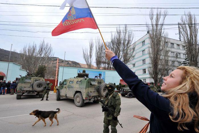 Russian Troops in Ukraine (46 pics)