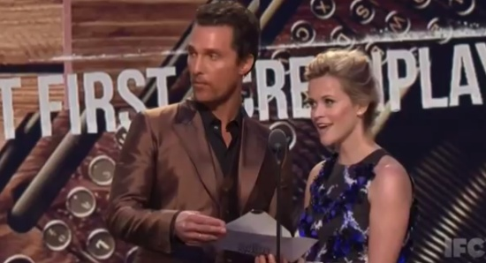 Reese Witherspoon Teleports During the Awards Ceremony