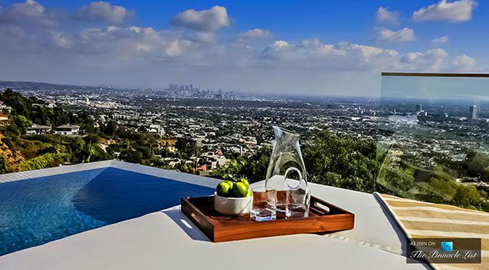 DJ Avicii's 15 Million Dollar House (29 pics)