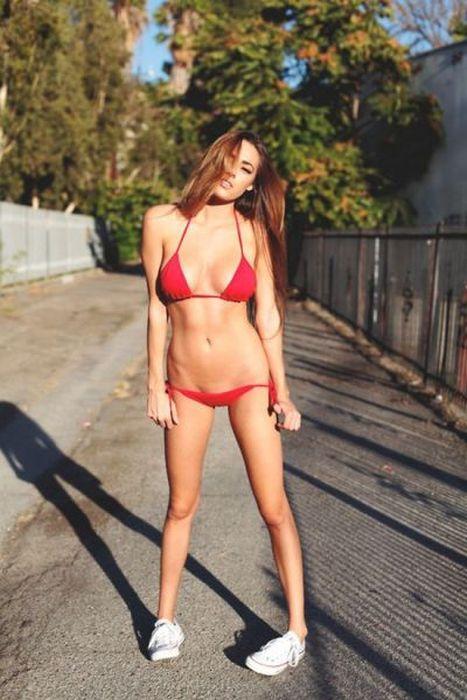 Sexy Bikini Girls (47 pics)