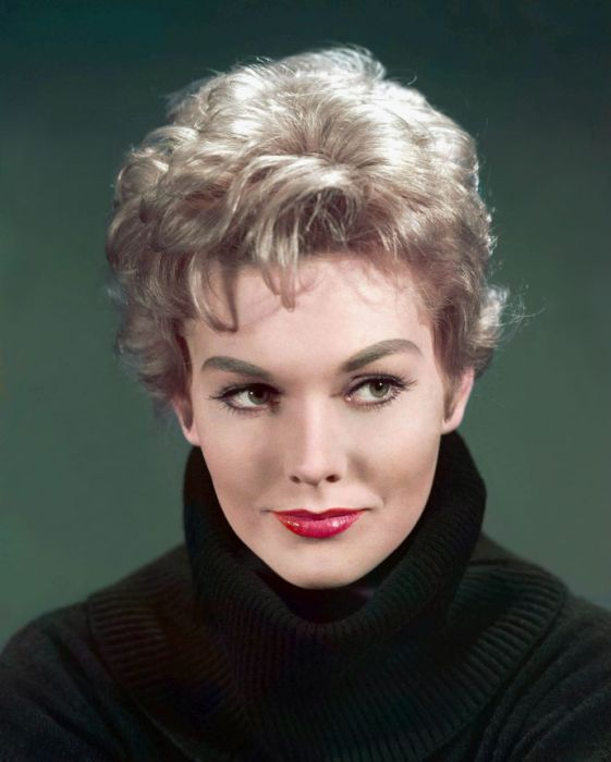Kim Novak Then and Now (17 pics)