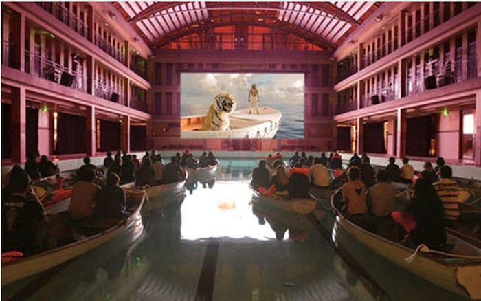 The Best Way to Watch Life of Pi (4 pics)