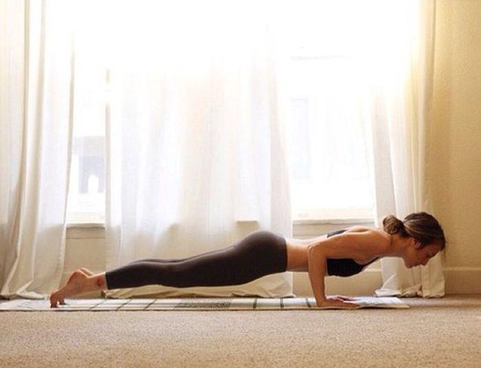 Girls in Yoga Pants. Part 7 (51 pics)