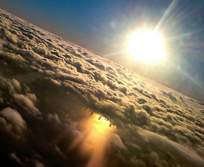 Why Window Seats are the Best Seats (27 pics)