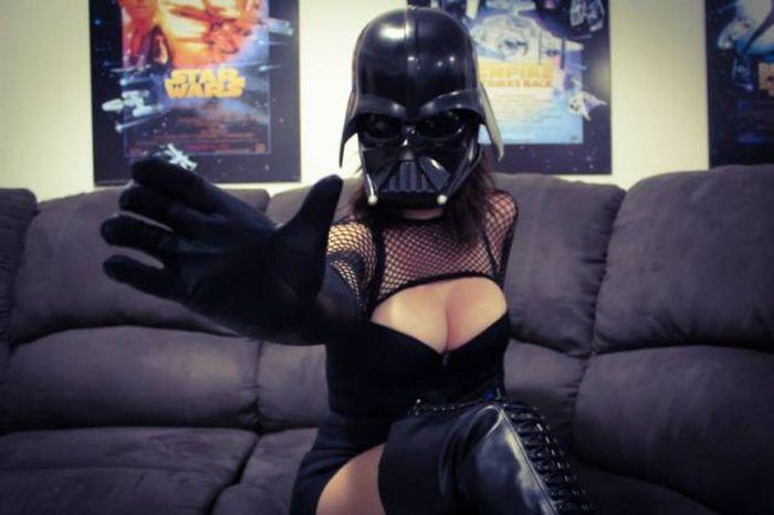 Very Hot Darth Vader Cosplay Costume (9 pics)