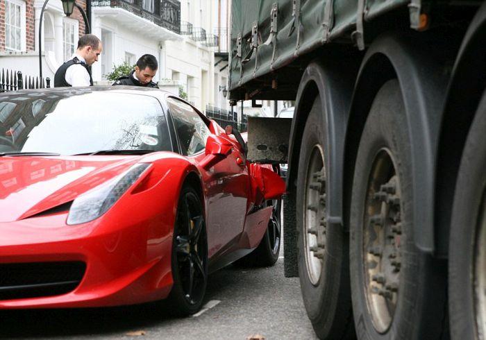 Truck Hits Ferrari in London (9 pics)