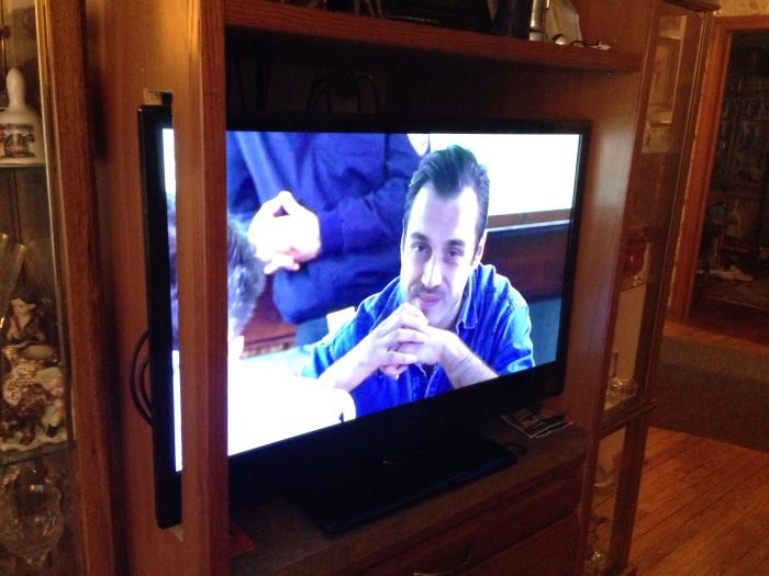 If a TV Won't Fit (2 pics)