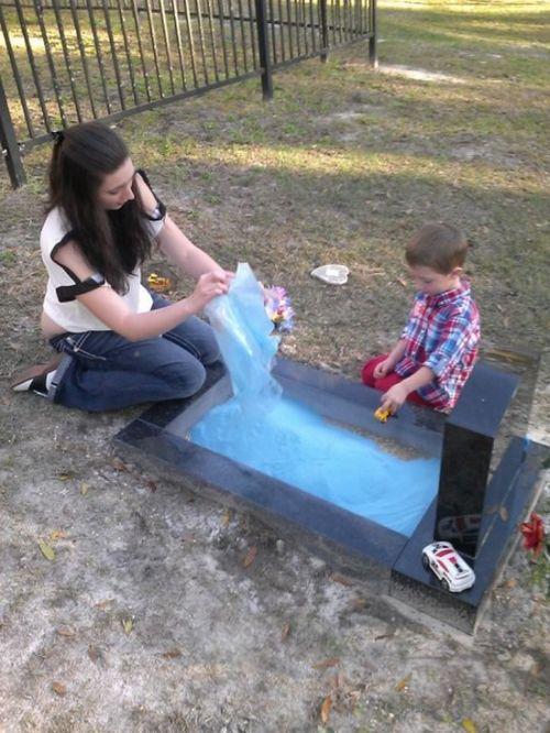 A Grave with a Sandbox (4 pics)