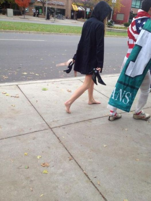 Walk Of Shame (32 pics)