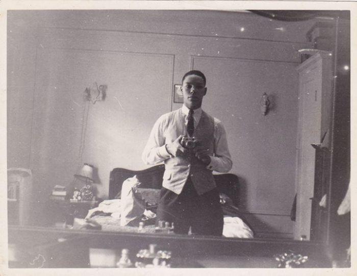 Colin Powell's Selfie (2 pics)
