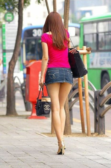 Hot Girls in the Streets (48 pics)