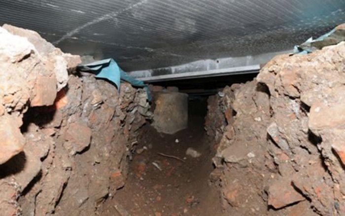 Thieves Dug a 50 ft (15 m) Tunnel (8 pics)