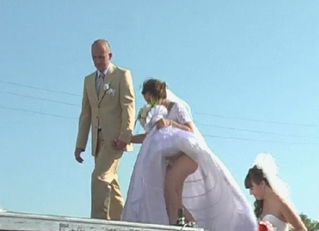 Wedding Fails (25 gifs)