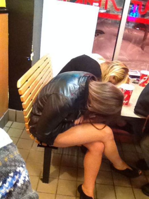 Drunk and Passed Out People (40 pics)