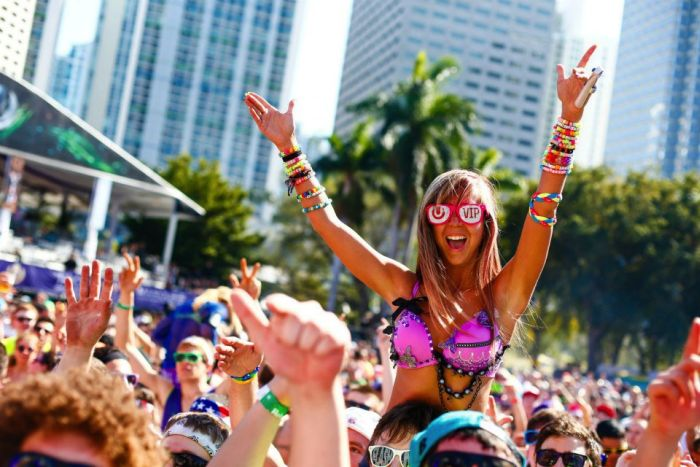 Girls of Ultra Music Festival (37 pics)