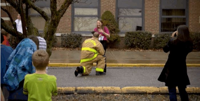 This Is How the Firefighters Propose (10 pics)