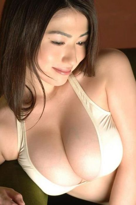 Beautiful Busty Girls. Part 30 (53 pics)