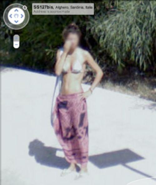 Girls on Google Street View (39 pics)