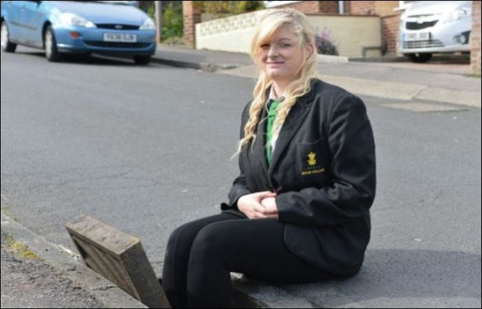 Girl Got Stuck in a Drain While She Tried to Retrieve Her iPhone (5 pics)