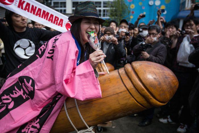 Kanamara Matsuri (24 pics)