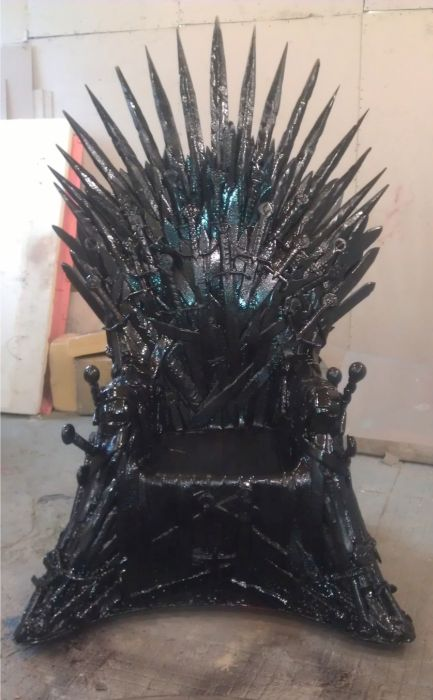 Iron Throne (17 pics)