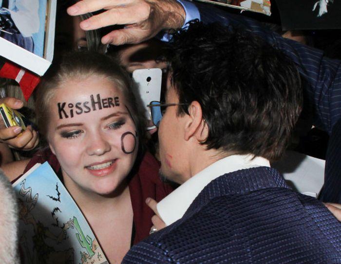 Girl Meets Johnny Depp (4 pics)