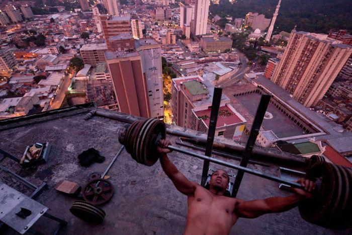 Slums of Caracas (18 pics)