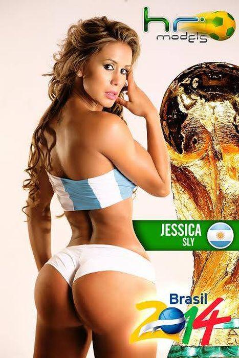 Sexy FIFA World Cup 2014 Calendar (30 pics)