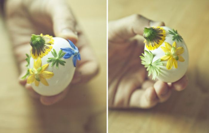 How to Dye Easter Eggs with Onion Shells and Flowers (7 pics)