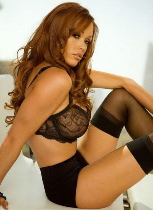These Ladies Look Amazing In Lingerie (45 pics)