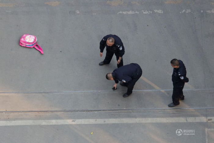 Public Hostage Situation in China (16 pics)