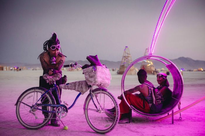 Burning Man Photos (100 pics)