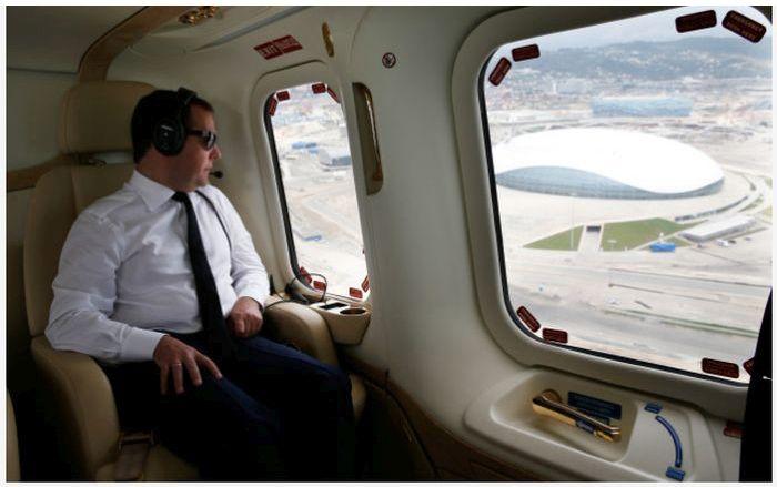 Vladimir Putin's Presidential Helicopter Fleet (17 pics)