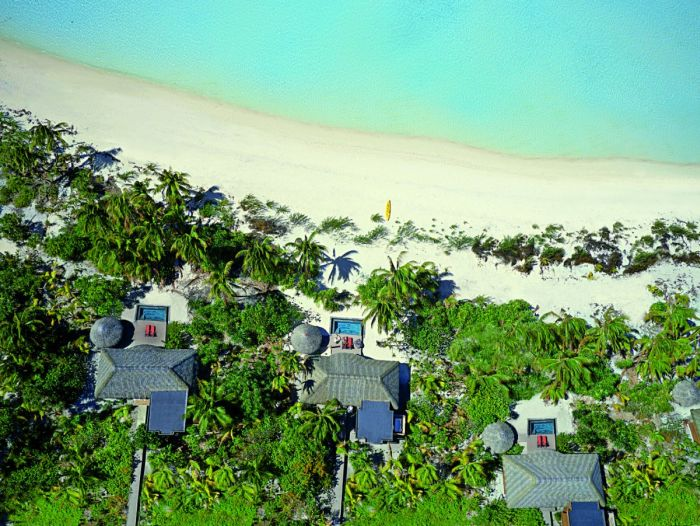 Take A Look At Marlon Brando's Private Island (16 pics)
