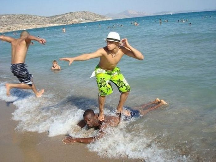 Epic Pictures Of Wins And Fails At The Beach (69 pics)