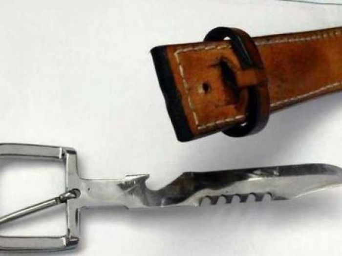 30 Dangerous Things Confiscated At Airports (30 pics)