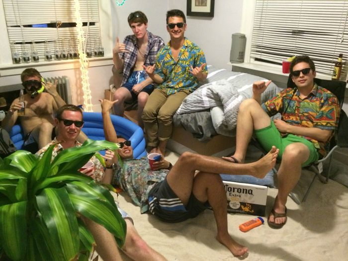 You Wish You Had Roommates This Cool (9 pics)
