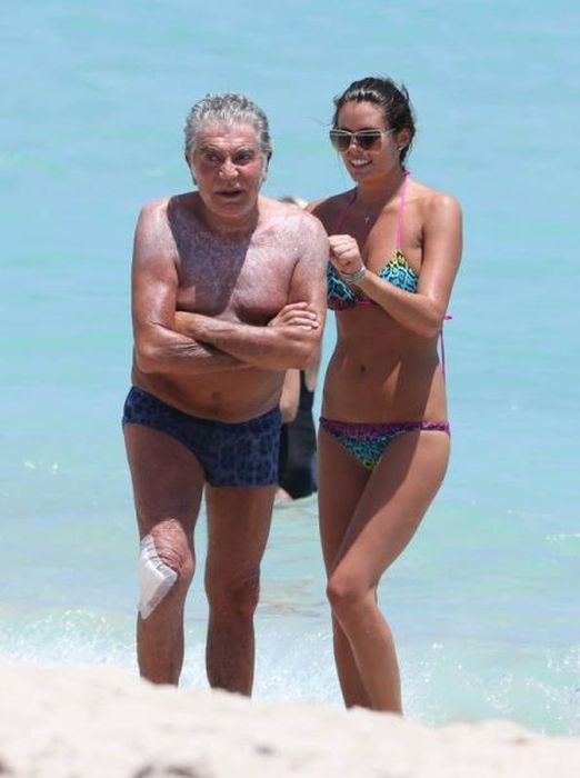 This Old Man Is Dating A Super Hot Model (15 pics)