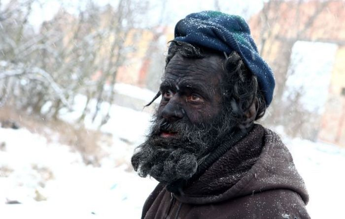 This Guy Is The Dirtiest Man In Europe (10 pics)